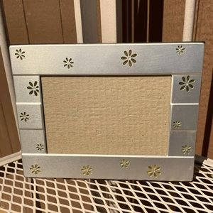 Silver Photo Frame with Daisy Diecuts